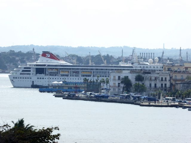 Cuba has cruise ships.