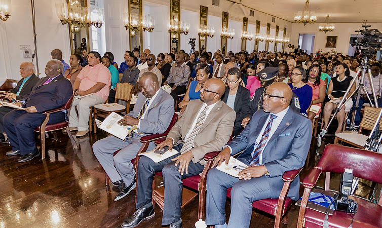 Gov. Kenneth Mapp, Lt. Gov. Osbert Potter, Senate President Myron Jackson and other V.I. government employees at a recent ceremony in Government House on St. Croix to honor V.I. government employees. (Government House photo)