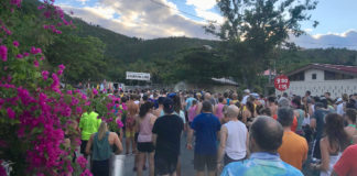 Runners line-up to get to the start line in Cruz Bay. (Source photo by Kyle Murphy)